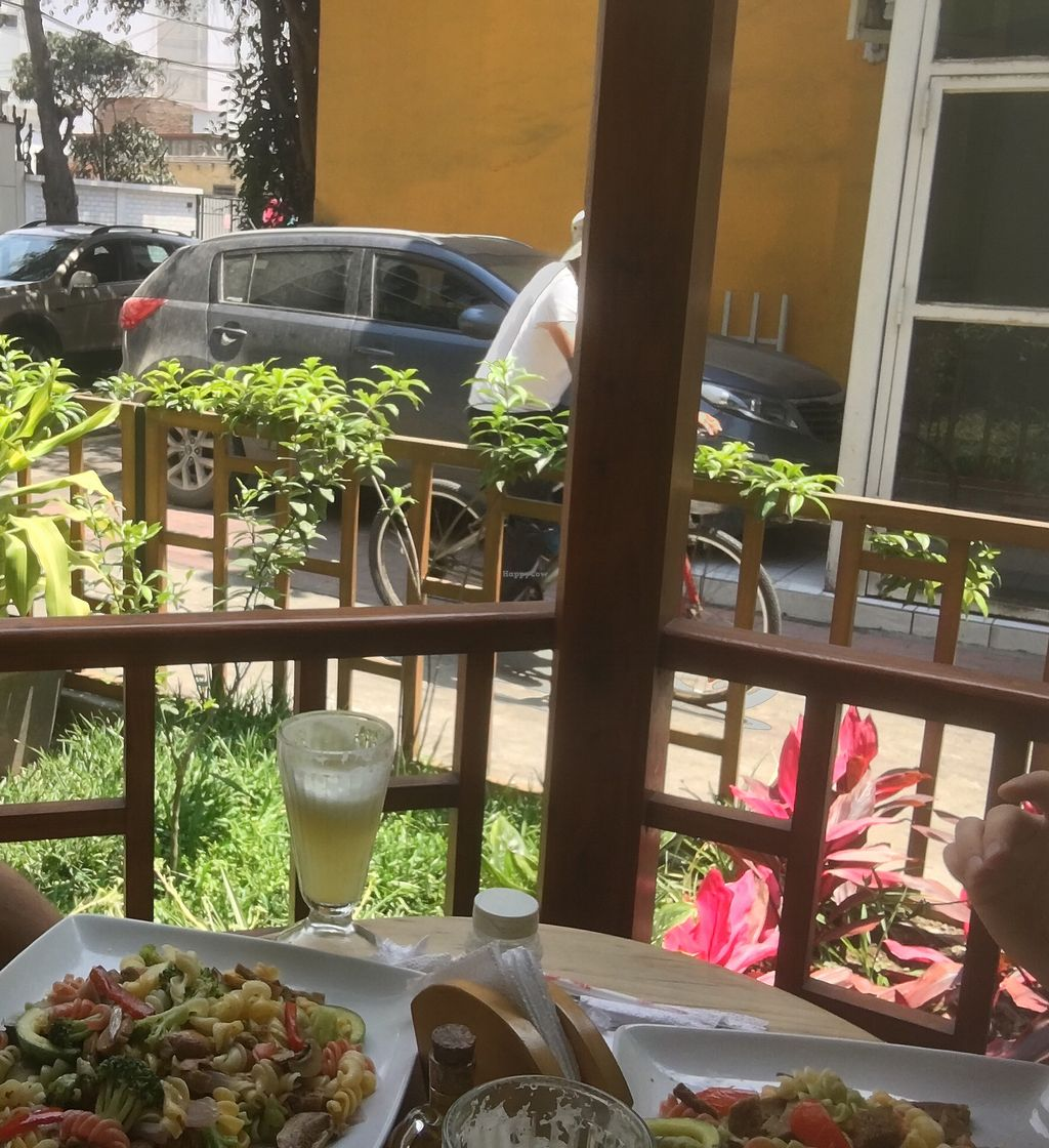 """Photo of Sabor y Vida  by <a href=""""/members/profile/BenNeedsHisVeggies"""">BenNeedsHisVeggies</a> <br/>Outdoor seating with the daily special  <br/> January 30, 2018  - <a href='/contact/abuse/image/18916/352569'>Report</a>"""