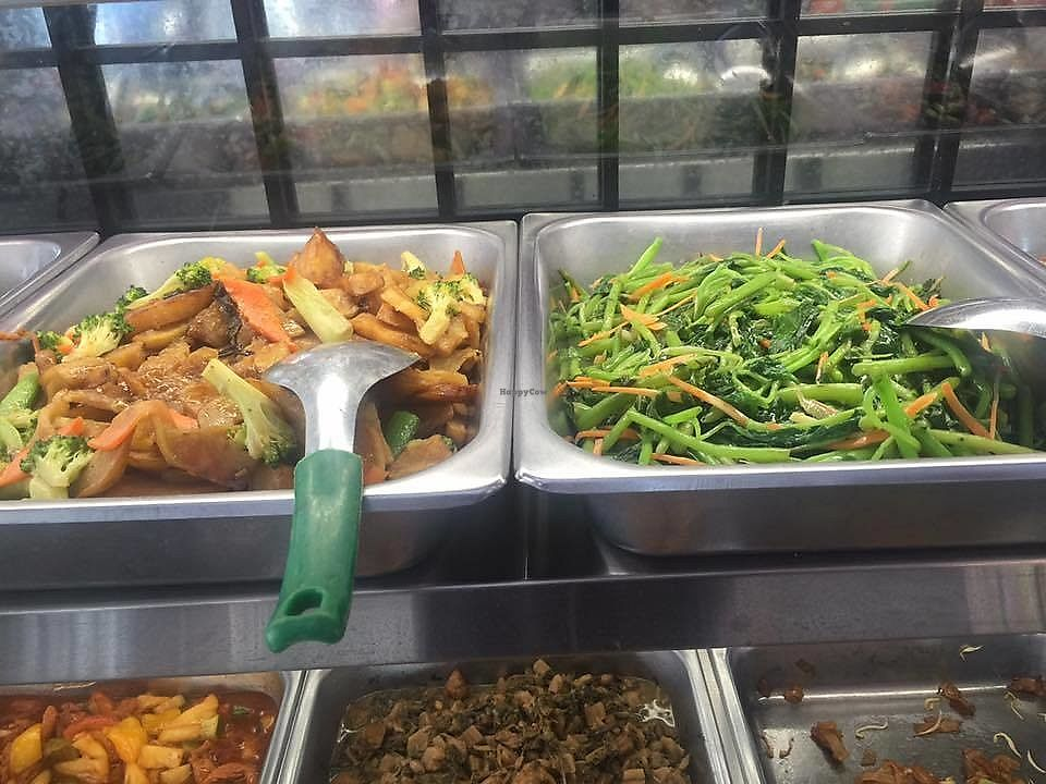 """Photo of Sri Petaling Vegetarian  by <a href=""""/members/profile/CherylQuincy"""">CherylQuincy</a> <br/>Vege selections (photo by VSM) <br/> February 5, 2018  - <a href='/contact/abuse/image/18982/355301'>Report</a>"""