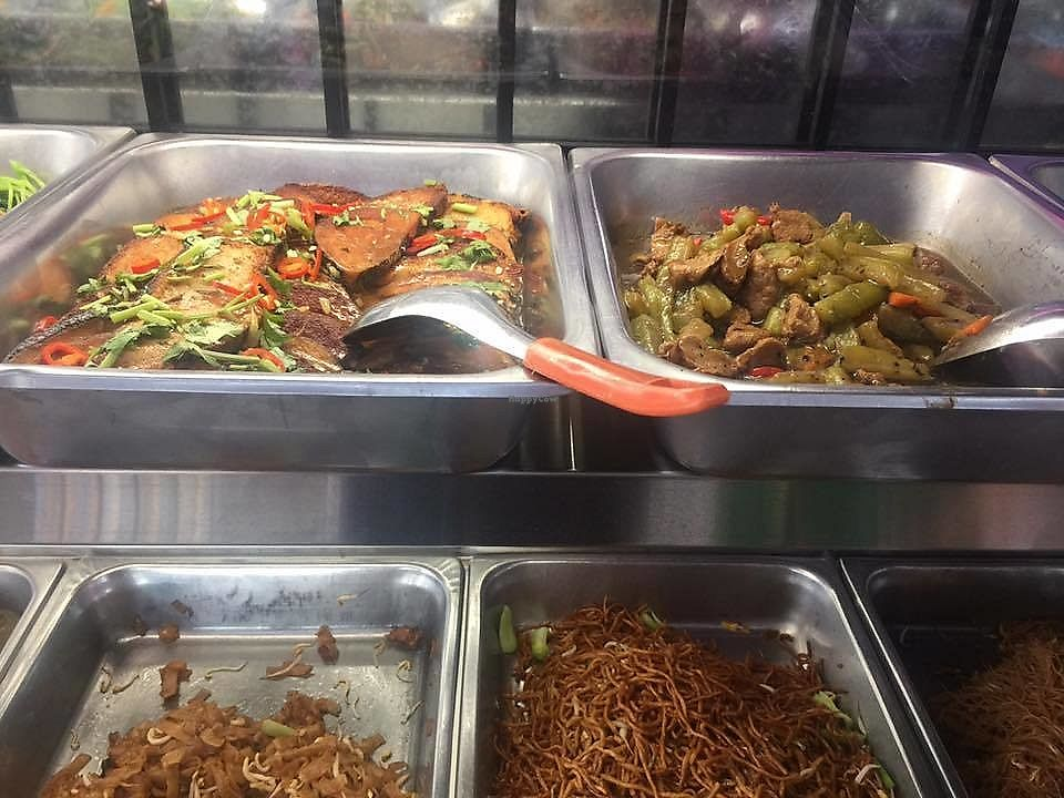 """Photo of Sri Petaling Vegetarian  by <a href=""""/members/profile/CherylQuincy"""">CherylQuincy</a> <br/>Vege selections (photo by VSM) <br/> February 5, 2018  - <a href='/contact/abuse/image/18982/355303'>Report</a>"""