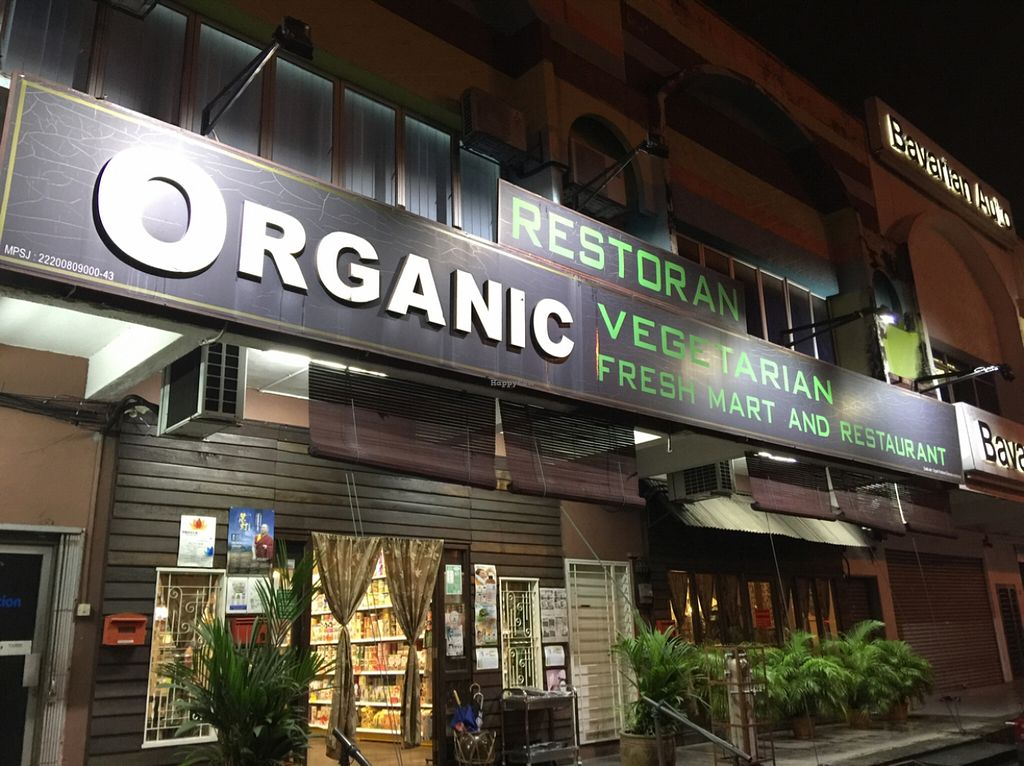 """Photo of Organic Freshmart and Restaurant  by <a href=""""/members/profile/macnothi"""">macnothi</a> <br/>Outside  <br/> December 8, 2015  - <a href='/contact/abuse/image/19169/127587'>Report</a>"""