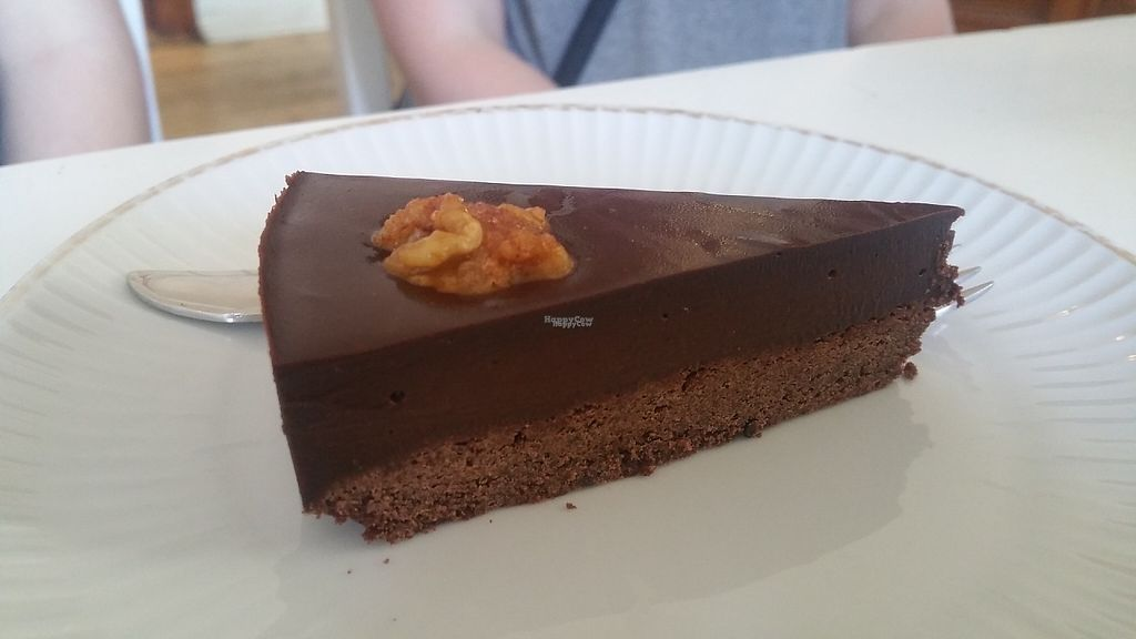 """Photo of Cafe Vux  by <a href=""""/members/profile/Rosa%20veg"""">Rosa veg</a> <br/>Chocolate cake  <br/> April 26, 2017  - <a href='/contact/abuse/image/19181/252666'>Report</a>"""