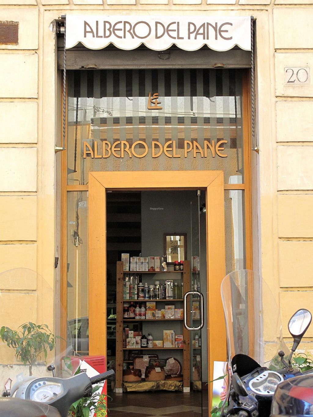 """Photo of Albero dal Pane  by <a href=""""/members/profile/lallilaranja"""">lallilaranja</a> <br/>storefront <br/> March 16, 2014  - <a href='/contact/abuse/image/19239/66066'>Report</a>"""