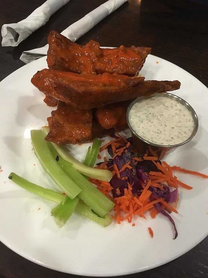 """Photo of The Chicago Diner  by <a href=""""/members/profile/shafess"""">shafess</a> <br/>Buffalo Wings <br/> July 11, 2017  - <a href='/contact/abuse/image/1943/279248'>Report</a>"""