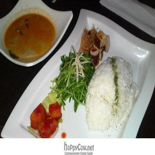 """Photo of Feng Wei Ting  by <a href=""""/members/profile/comida"""">comida</a> <br/>Coconut (faux) chicken curry <br/> December 22, 2009  - <a href='/contact/abuse/image/19514/3156'>Report</a>"""