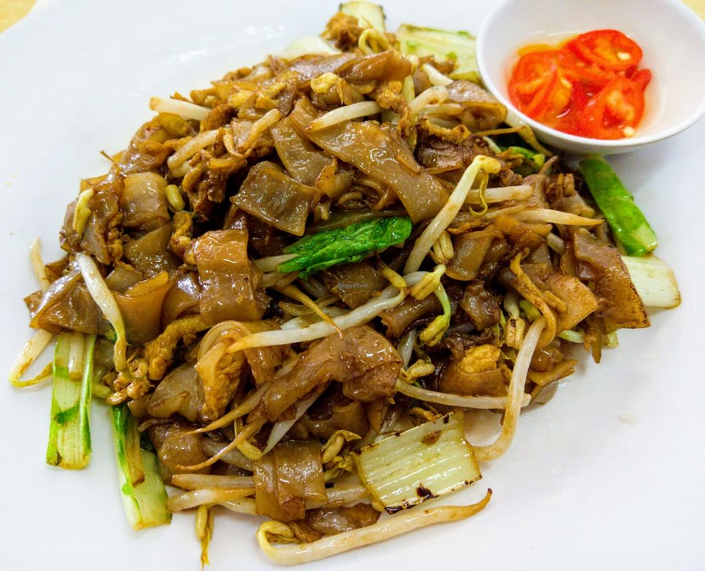 """Photo of Sin Wei Tong - Viva Cafe  by <a href=""""/members/profile/PennyPenLim"""">PennyPenLim</a> <br/>Stir-fry Beansprouts Kway Teow <br/> April 23, 2018  - <a href='/contact/abuse/image/19599/389762'>Report</a>"""
