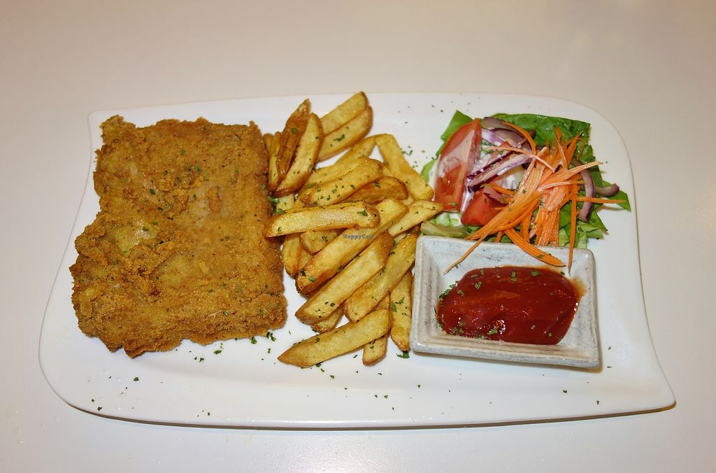 "Photo of Loving Hut - Neubaugurtel  by <a href=""/members/profile/Goosi"">Goosi</a> <br/>Vegan schnitzel <br/> December 15, 2017  - <a href='/contact/abuse/image/19608/335815'>Report</a>"