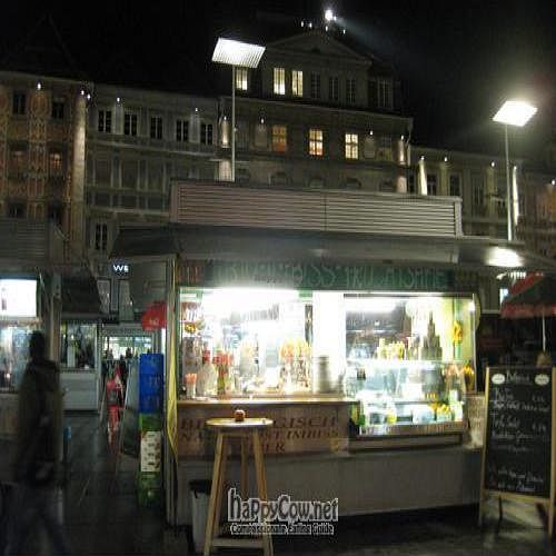 """Photo of Bio Naturkost am Hauptplaz  by <a href=""""/members/profile/Powerbex"""">Powerbex</a> <br/>Bio-Imbiss Take away stand <br/> November 30, 2009  - <a href='/contact/abuse/image/19616/3037'>Report</a>"""