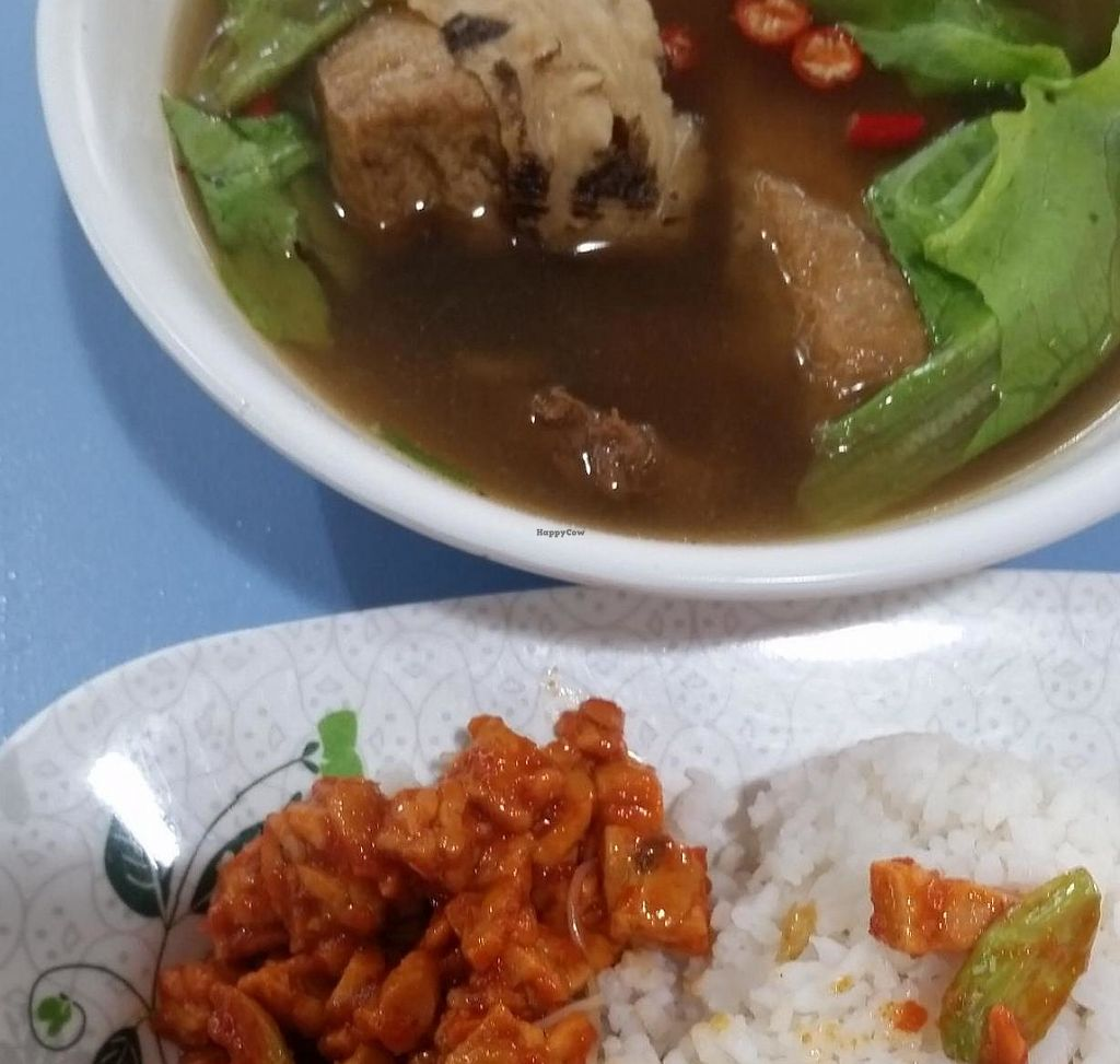 """Photo of Healthy Vegetarian - Amoy St  by <a href=""""/members/profile/JimmySeah"""">JimmySeah</a> <br/>bak kut teh with sambal petai <br/> May 3, 2015  - <a href='/contact/abuse/image/19623/275425'>Report</a>"""