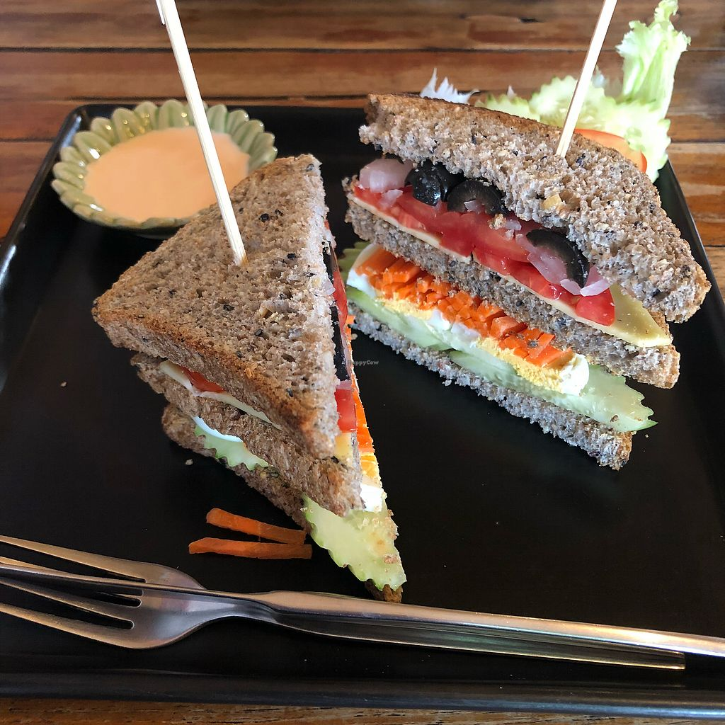 "Photo of Juicy4U  by <a href=""/members/profile/lskladanek"">lskladanek</a> <br/>Custom built veggie sandwich  <br/> April 19, 2018  - <a href='/contact/abuse/image/19633/387923'>Report</a>"