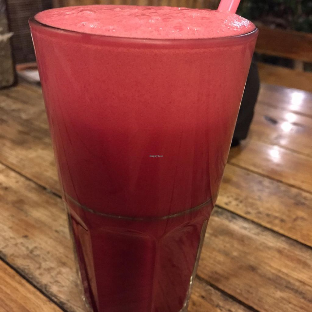 "Photo of Juicy4U  by <a href=""/members/profile/Jrosworld"">Jrosworld</a> <br/>Apple, beet, celery & ginger juice, 60 baht <br/> January 31, 2015  - <a href='/contact/abuse/image/19633/91812'>Report</a>"