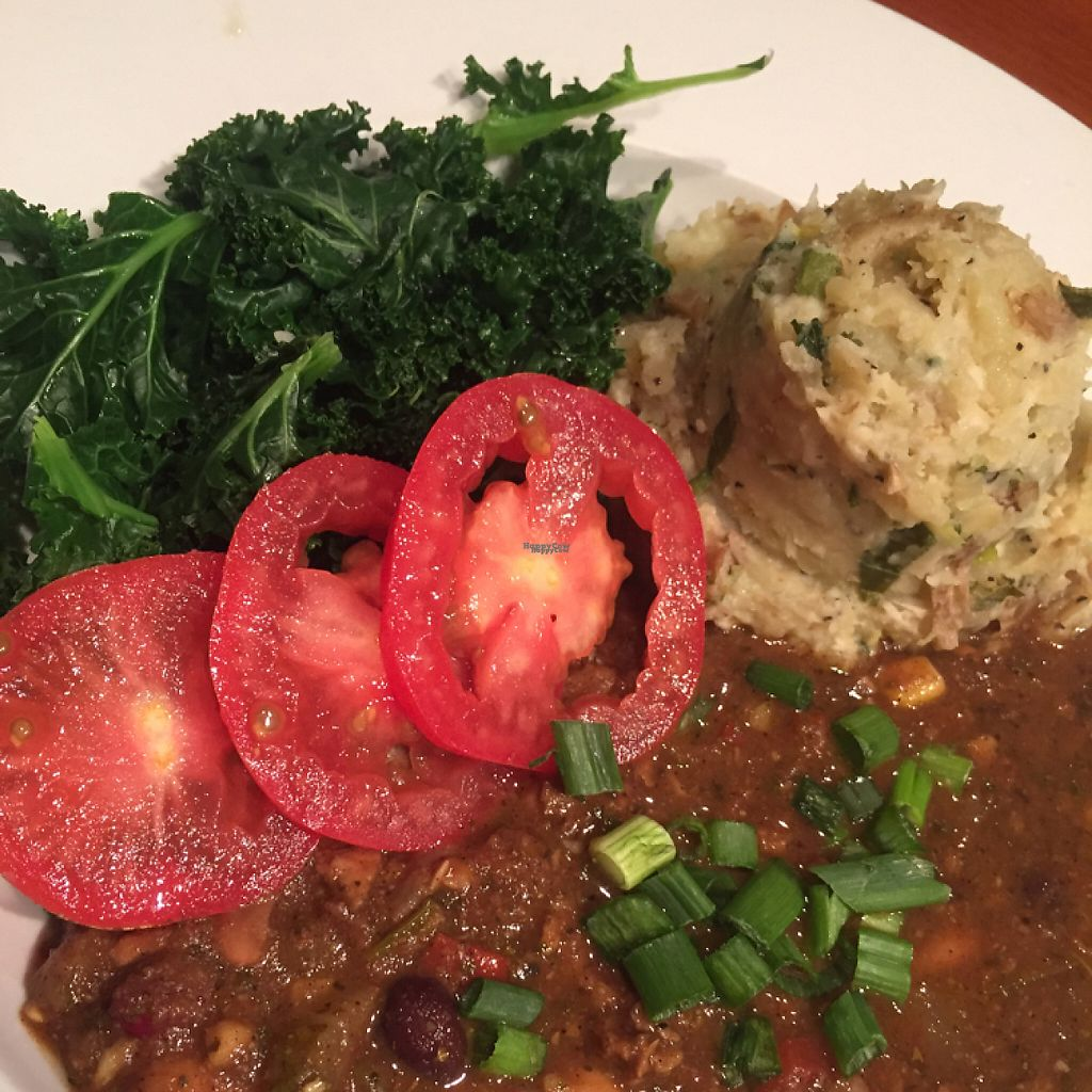 """Photo of The Wild Cow  by <a href=""""/members/profile/happycowgirl"""">happycowgirl</a> <br/>vegan chili with sides <br/> March 27, 2017  - <a href='/contact/abuse/image/19759/241880'>Report</a>"""
