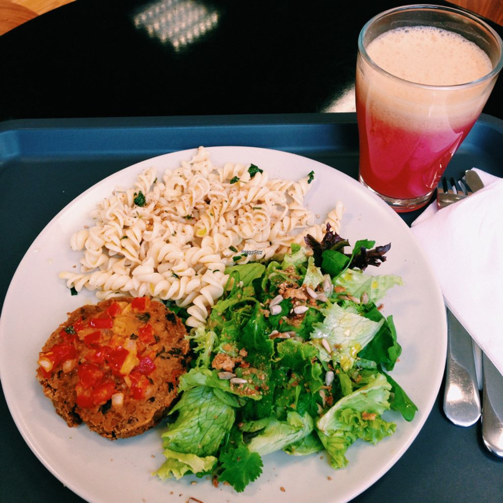 """Photo of Miosotis  by <a href=""""/members/profile/Reyes"""">Reyes</a> <br/>Chickpea burger dish 6€ + Ginger and apple juice 2,5€ <br/> November 4, 2016  - <a href='/contact/abuse/image/19795/186540'>Report</a>"""