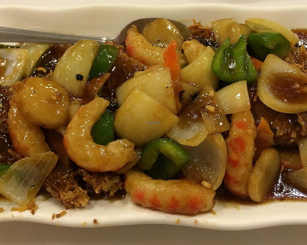 Photo of Mini Garden Orient and Vegetarian Cuisine  by krazykat <br/>'Shrimp' with black bean sauce cake noodle <br/> June 6, 2015  - <a href='/contact/abuse/image/19849/199283'>Report</a>