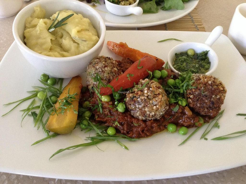 "Photo of CLOSED: AlmaZen  by <a href=""/members/profile/eeyoresenigma"">eeyoresenigma</a> <br/>Mushroom pate with quinoa falafel balls and mashed potates <br/> November 27, 2014  - <a href='/contact/abuse/image/20085/86637'>Report</a>"