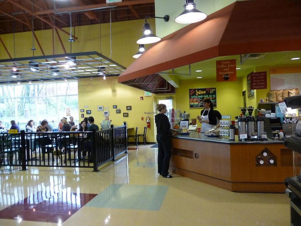 """Photo of Common Market Food Co-op  by <a href=""""/members/profile/Erudite%20Manatee"""">Erudite Manatee</a> <br/>The Common Market's in-store cafe. A variety of eat-ready hot & cold foods are availabe including pizza, paninis, and nummy smoothies <br/> January 1, 2014  - <a href='/contact/abuse/image/2052/61518'>Report</a>"""