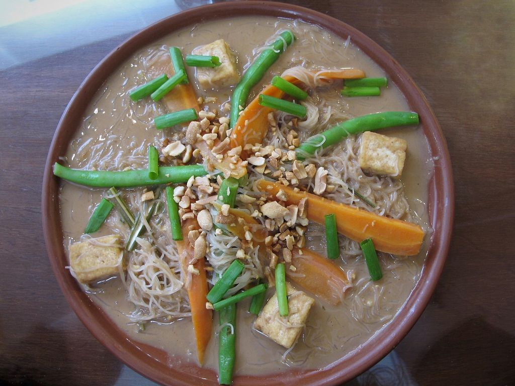 "Photo of Namas Te  by <a href=""/members/profile/dd.boa7"">dd.boa7</a> <br/> Peanut-thai (rice noodles, tofu, peanut sauce, veggies) <br/> March 17, 2018  - <a href='/contact/abuse/image/20563/371983'>Report</a>"