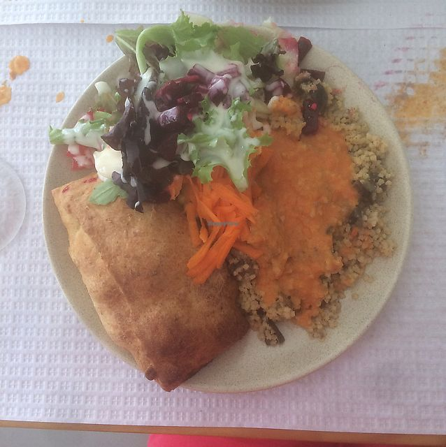 """Photo of Vegetarianus  by <a href=""""/members/profile/ThereseSedman"""">ThereseSedman</a> <br/>A lovely lunch! The bread is filled with squash, carrots, chickpeas and some onion.  <br/> June 19, 2017  - <a href='/contact/abuse/image/20648/271180'>Report</a>"""