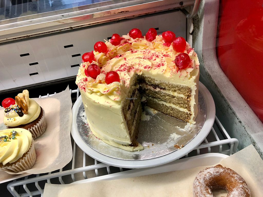 """Photo of Vx  by <a href=""""/members/profile/marky_mark"""">marky_mark</a> <br/>cake!!!! <br/> April 12, 2018  - <a href='/contact/abuse/image/20663/384493'>Report</a>"""