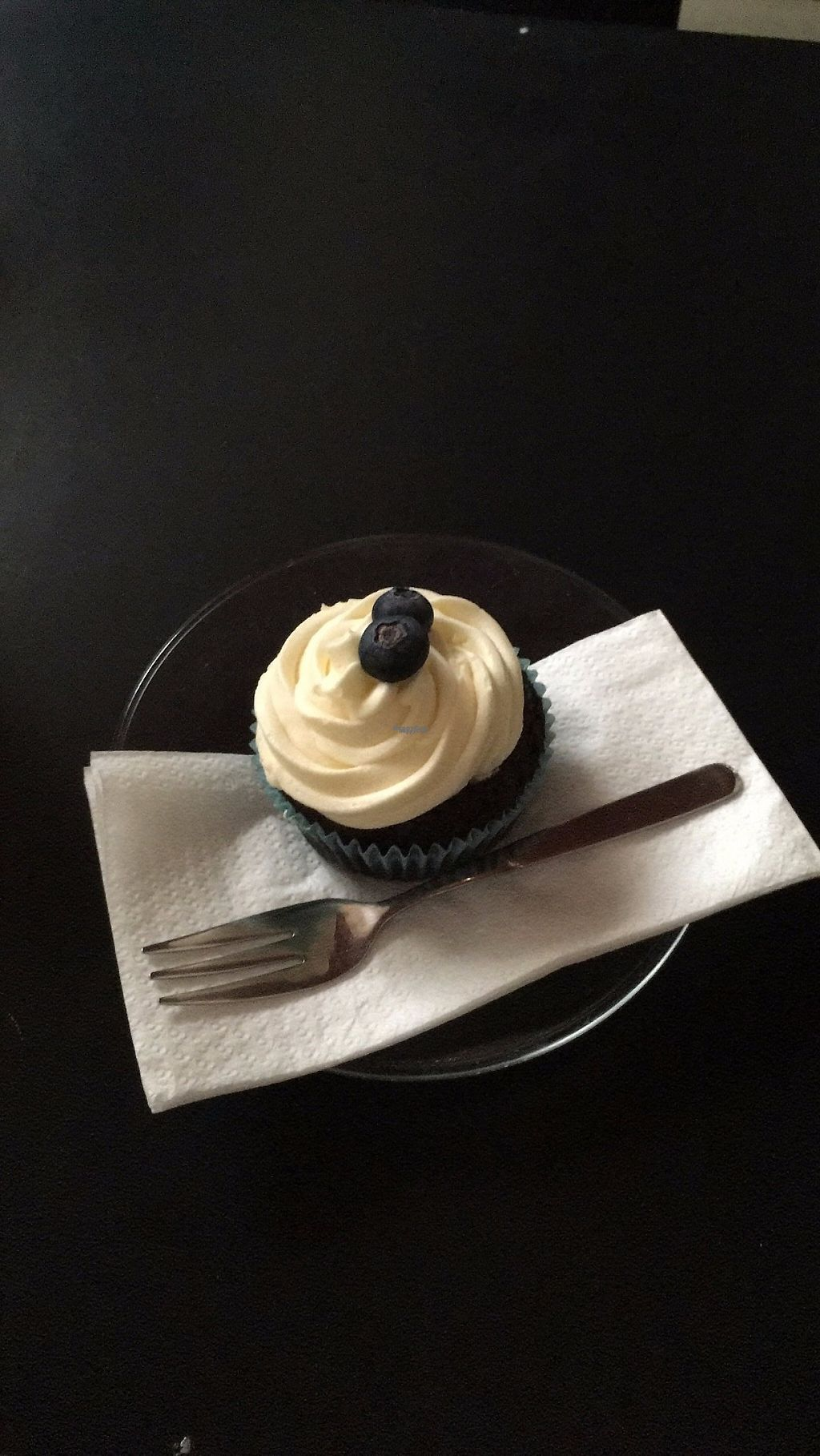 """Photo of Cafe Riptide  by <a href=""""/members/profile/MiaAmWoerthersee"""">MiaAmWoerthersee</a> <br/>Vegan cupcake <br/> April 30, 2017  - <a href='/contact/abuse/image/20667/254198'>Report</a>"""
