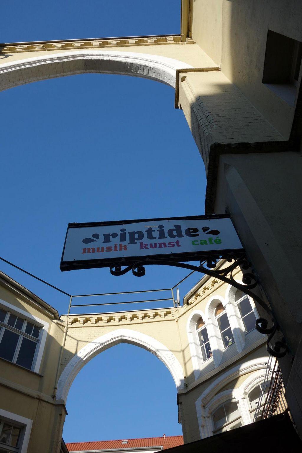 "Photo of Cafe Riptide  by <a href=""/members/profile/Gudrun"">Gudrun</a> <br/>Café Riptide <br/> June 9, 2014  - <a href='/contact/abuse/image/20667/71722'>Report</a>"