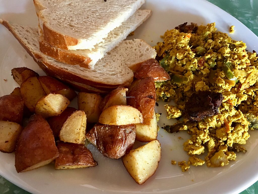 """Photo of Cafe 821  by <a href=""""/members/profile/manbo"""">manbo</a> <br/>Tofu Scramble  <br/> December 28, 2017  - <a href='/contact/abuse/image/20708/340137'>Report</a>"""