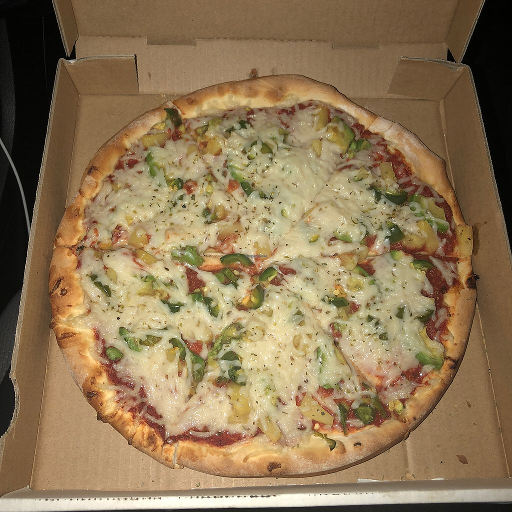 """Photo of Rudy's Pizzeria  by <a href=""""/members/profile/Samanthah"""">Samanthah</a> <br/>Pineapple, avocado, jalapeño with vegan cheese! Delish <br/> February 26, 2018  - <a href='/contact/abuse/image/20895/363878'>Report</a>"""