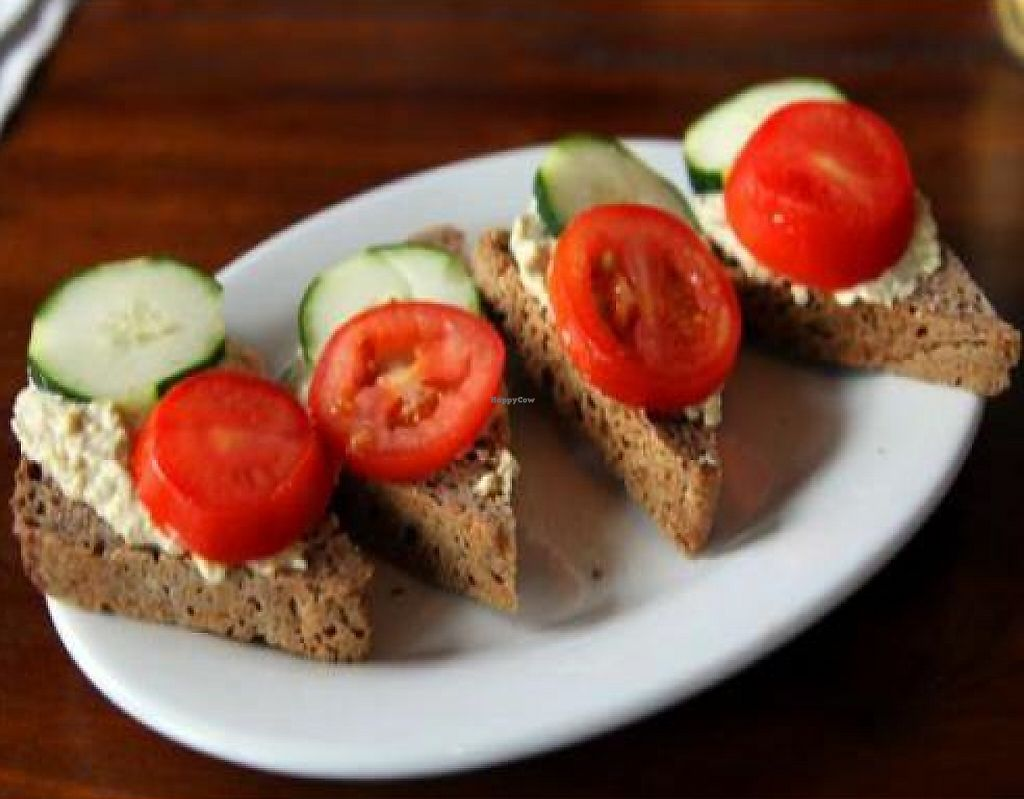 """Photo of Prasad - Pearl District  by <a href=""""/members/profile/quarrygirl"""">quarrygirl</a> <br/>toast: new cascadia teff bread (gluten-free) with zucchini hummus, cucumber and tomato <br/> December 26, 2011  - <a href='/contact/abuse/image/20927/190030'>Report</a>"""