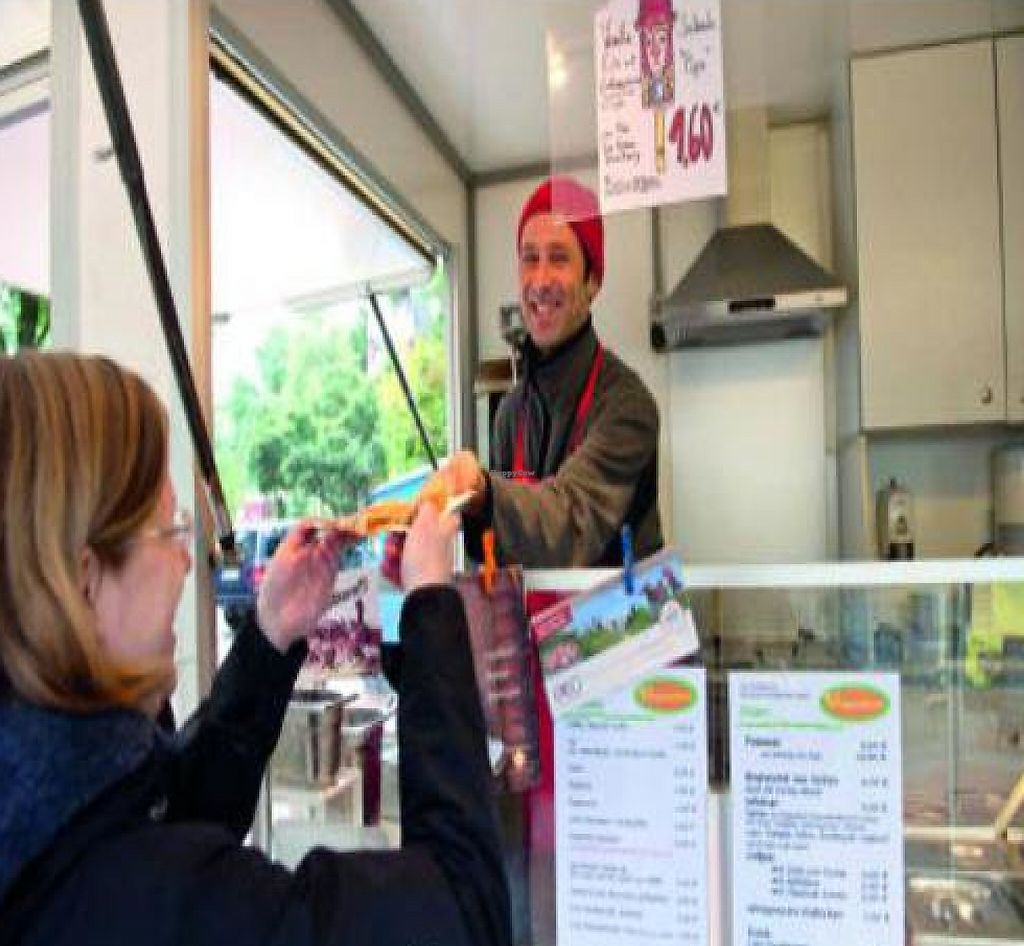 """Photo of Veganbar  by <a href=""""/members/profile/David%20Jones"""">David Jones</a> <br/>Prior food trailer operation, 2011 <br/> May 29, 2011  - <a href='/contact/abuse/image/20940/188506'>Report</a>"""