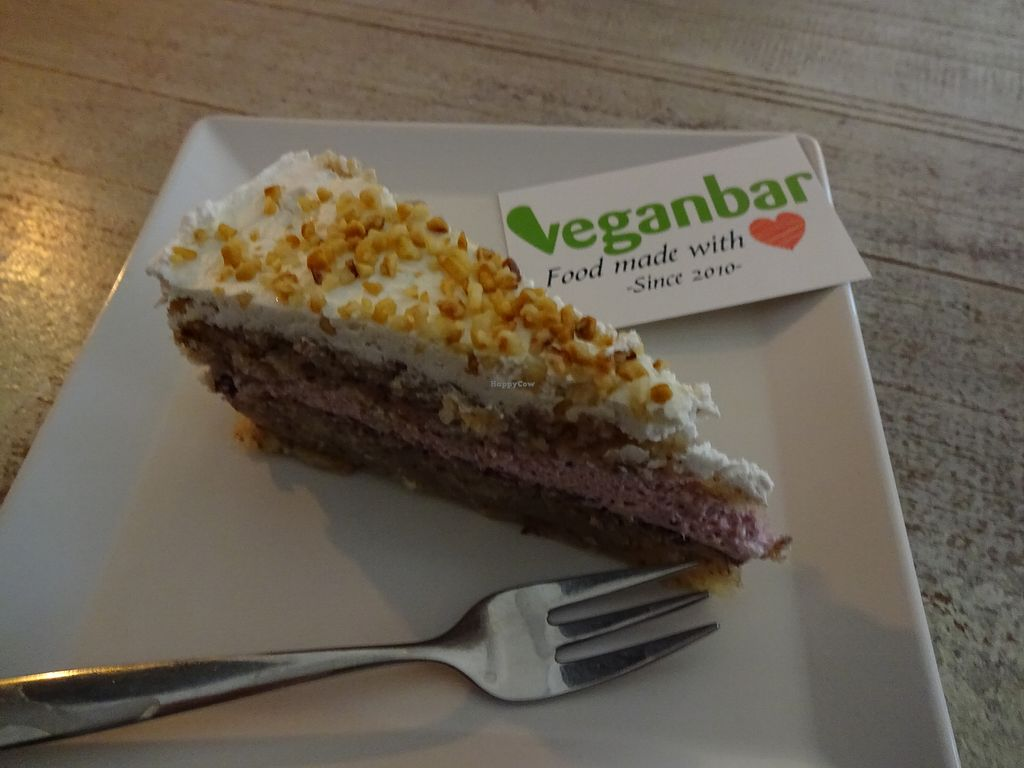"""Photo of Veganbar  by <a href=""""/members/profile/caroline666"""">caroline666</a> <br/>a great cake with nuts and berries <br/> January 8, 2018  - <a href='/contact/abuse/image/20940/344287'>Report</a>"""