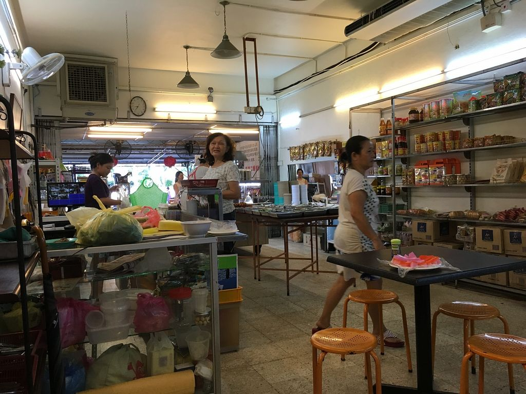 Photo of Chang Yen Vegetarian Food  by Maryline <br/>Inside <br/> January 15, 2016  - <a href='/contact/abuse/image/20991/132413'>Report</a>