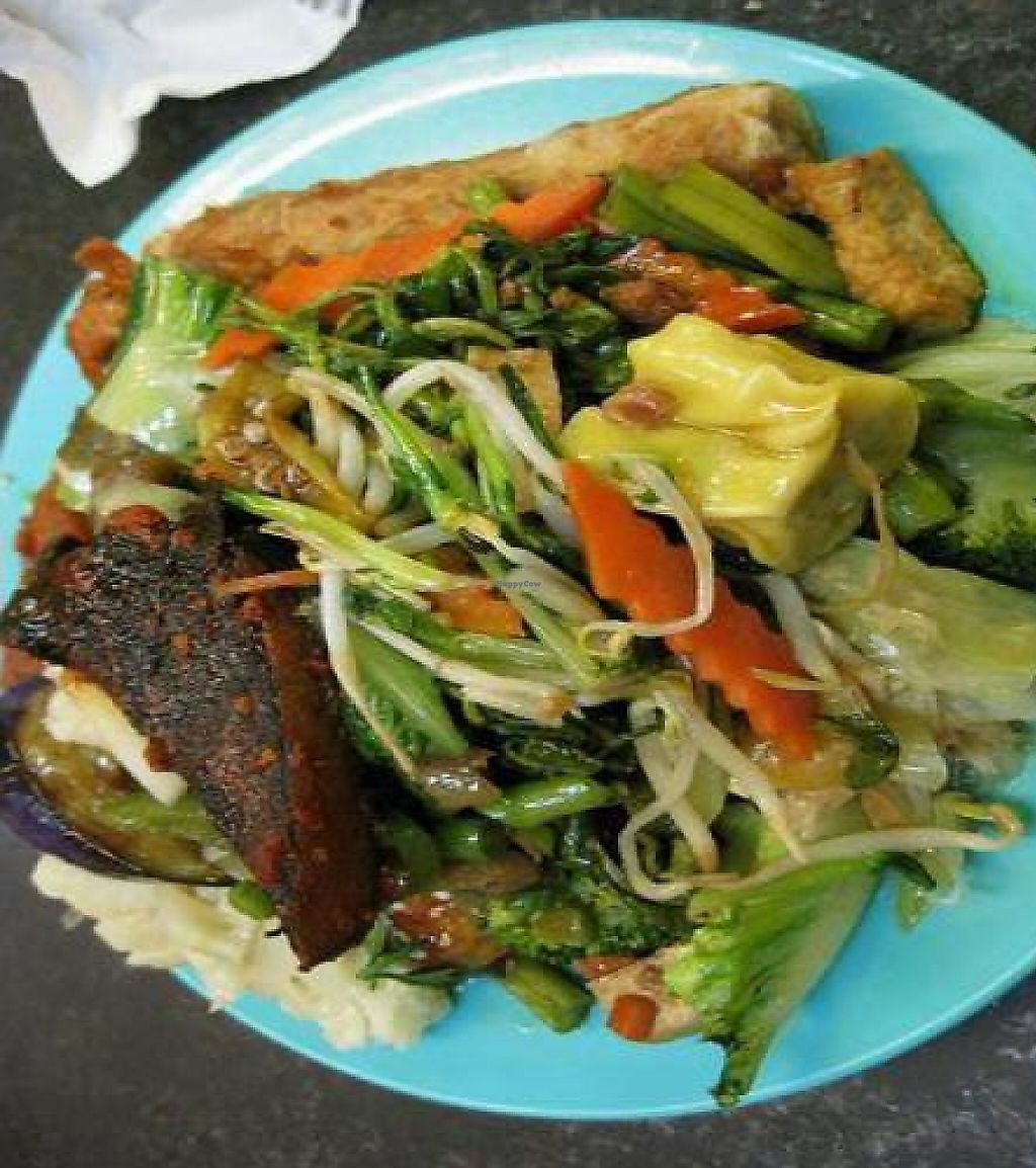 """Photo of Chang Yen Vegetarian Food  by <a href=""""/members/profile/cvxmelody"""">cvxmelody</a> <br/>Plate of food from self-service buffet <br/> October 12, 2010  - <a href='/contact/abuse/image/20991/192458'>Report</a>"""