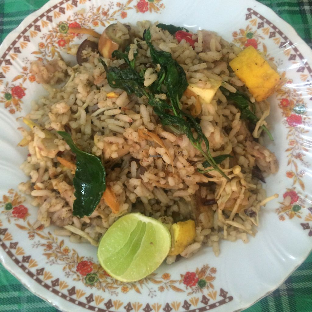 """Photo of Samrup Jay  by <a href=""""/members/profile/SaraBnkl"""">SaraBnkl</a> <br/>fried rice and vegetables in green curry  <br/> November 5, 2015  - <a href='/contact/abuse/image/21054/124036'>Report</a>"""