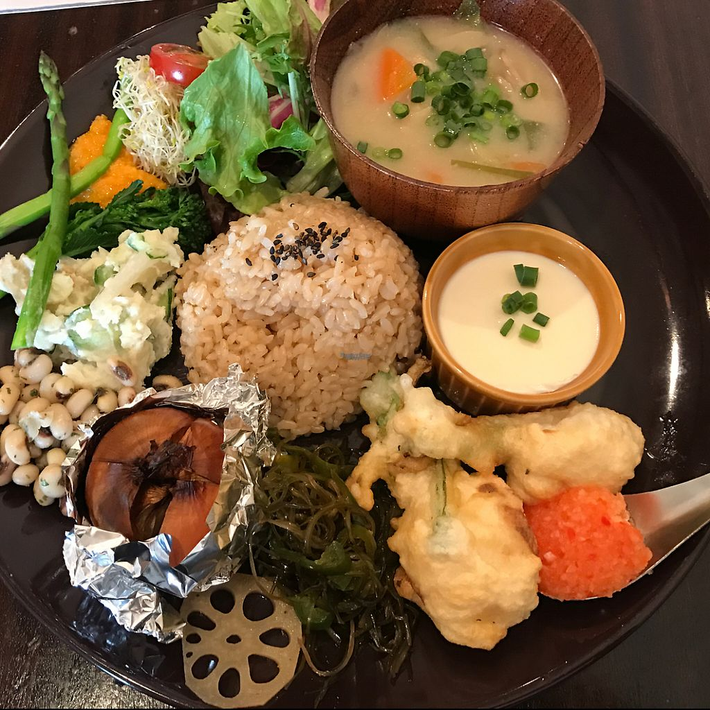 """Photo of Meunota  by <a href=""""/members/profile/Joncolours"""">Joncolours</a> <br/>deli plate 1230 yen <br/> April 2, 2017  - <a href='/contact/abuse/image/21068/243705'>Report</a>"""