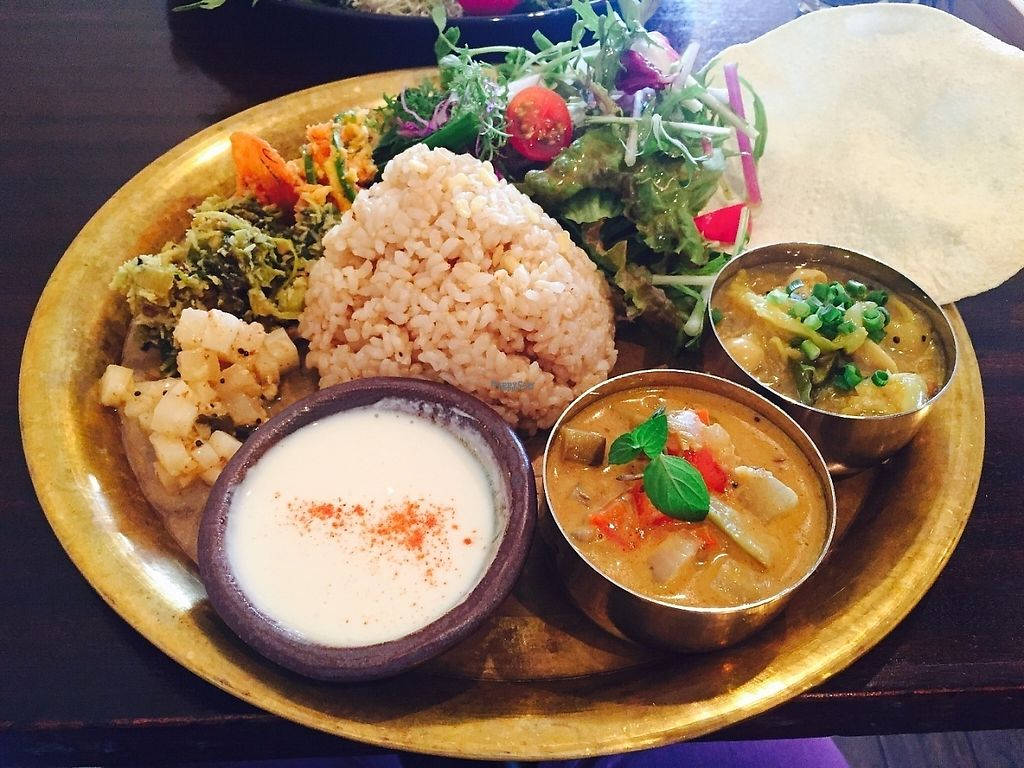 """Photo of Meunota  by <a href=""""/members/profile/tokyoite"""">tokyoite</a> <br/>Set lunch: South Indian style curry ( 1380 ¥ ) <br/> April 22, 2017  - <a href='/contact/abuse/image/21068/250788'>Report</a>"""