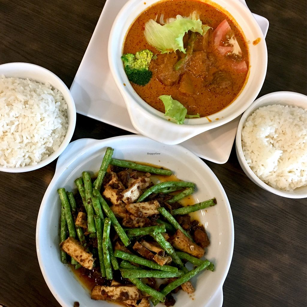 "Photo of North South East West Fusion Vegetarian  by <a href=""/members/profile/Simrk"">Simrk</a> <br/>Mutton curry and sambal Long beans <br/> January 31, 2018  - <a href='/contact/abuse/image/21106/353008'>Report</a>"