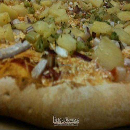 """Photo of Ed's Buffalo Wings and Pizza  by <a href=""""/members/profile/victorgalli"""">victorgalli</a> <br/>Broccoli, Pineapple, and Jalapeno Vegan Pizza with Daiya Vegan Cheese <br/> May 30, 2010  - <a href='/contact/abuse/image/21108/4637'>Report</a>"""