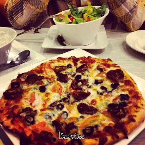 """Photo of Cafe Salivation  by <a href=""""/members/profile/a112"""">a112</a> <br/>salad and pizza <br/> April 7, 2013  - <a href='/contact/abuse/image/21127/46649'>Report</a>"""