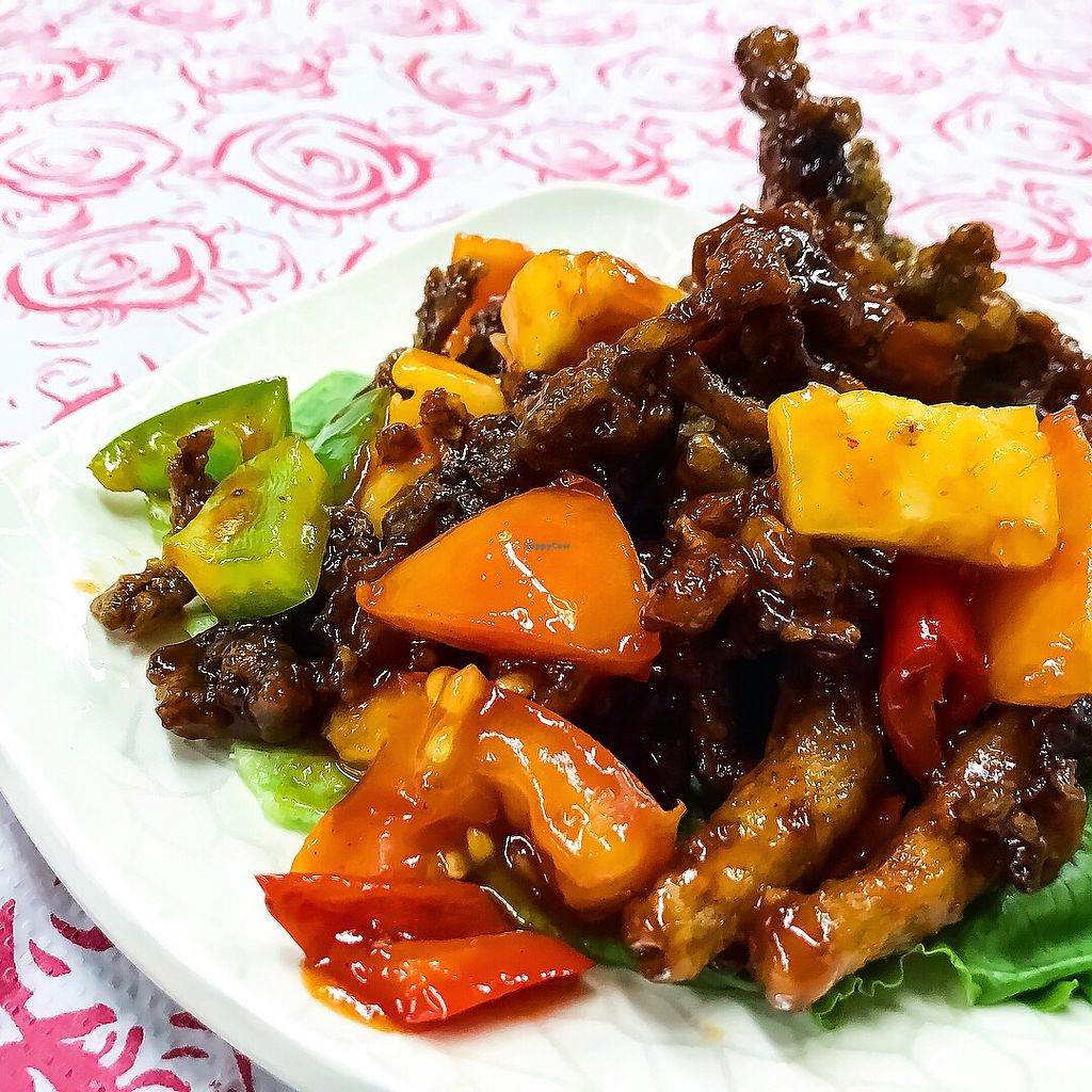 "Photo of Yuan Xiang Vegetarian - Changi  by <a href=""/members/profile/Sweetveganneko"">Sweetveganneko</a> <br/>Fried sweet and sour abalone mushrooms <br/> March 14, 2018  - <a href='/contact/abuse/image/21131/370715'>Report</a>"