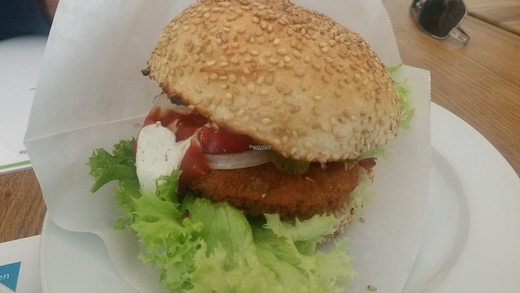"""Photo of CLOSED: vego Foodworld  by <a href=""""/members/profile/Rosa%20veg"""">Rosa veg</a> <br/>Burger  <br/> April 27, 2017  - <a href='/contact/abuse/image/21142/253051'>Report</a>"""