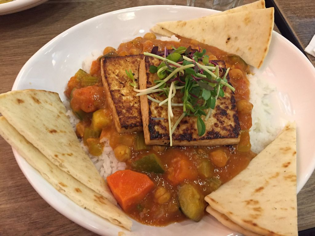 "Photo of Rocking V Cafe  by <a href=""/members/profile/Eyal87"">Eyal87</a> <br/>Chana masala (vegan) - Ask for non-grilled tofu! <br/> April 22, 2017  - <a href='/contact/abuse/image/21230/250828'>Report</a>"