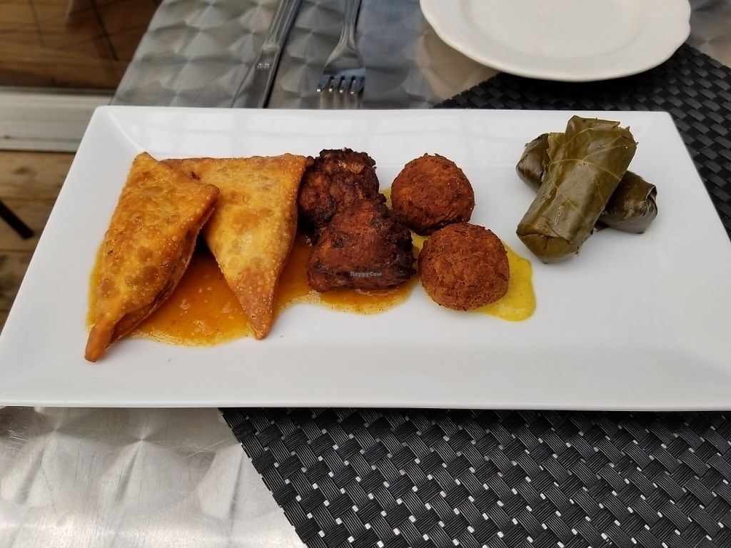 "Photo of Karoo Restaurant  by <a href=""/members/profile/tikhonova87"">tikhonova87</a> <br/>Veggy sampler <br/> May 27, 2017  - <a href='/contact/abuse/image/21347/263151'>Report</a>"
