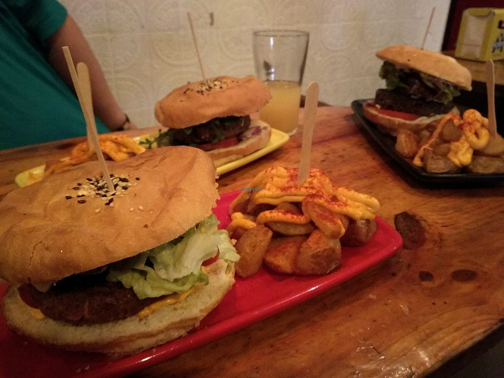 """Photo of CatBar  by <a href=""""/members/profile/Miggi"""">Miggi</a> <br/>In case you've forgotten what burgers look like! <br/> April 27, 2018  - <a href='/contact/abuse/image/21348/391717'>Report</a>"""