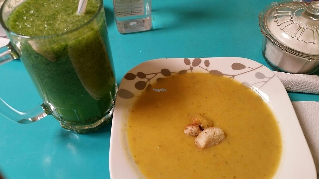 """Photo of Estrella Negra  by <a href=""""/members/profile/76vegandragons"""">76vegandragons</a> <br/>Estrella Negra - vegan vegie soup of the day and green juice (watery but tasty) <br/> November 19, 2016  - <a href='/contact/abuse/image/21442/192360'>Report</a>"""