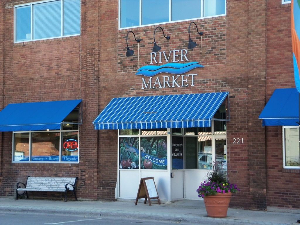 """Photo of River Market Co-op  by <a href=""""/members/profile/radroach"""">radroach</a> <br/>River Market Co-op entrance <br/> October 8, 2015  - <a href='/contact/abuse/image/2147/120642'>Report</a>"""