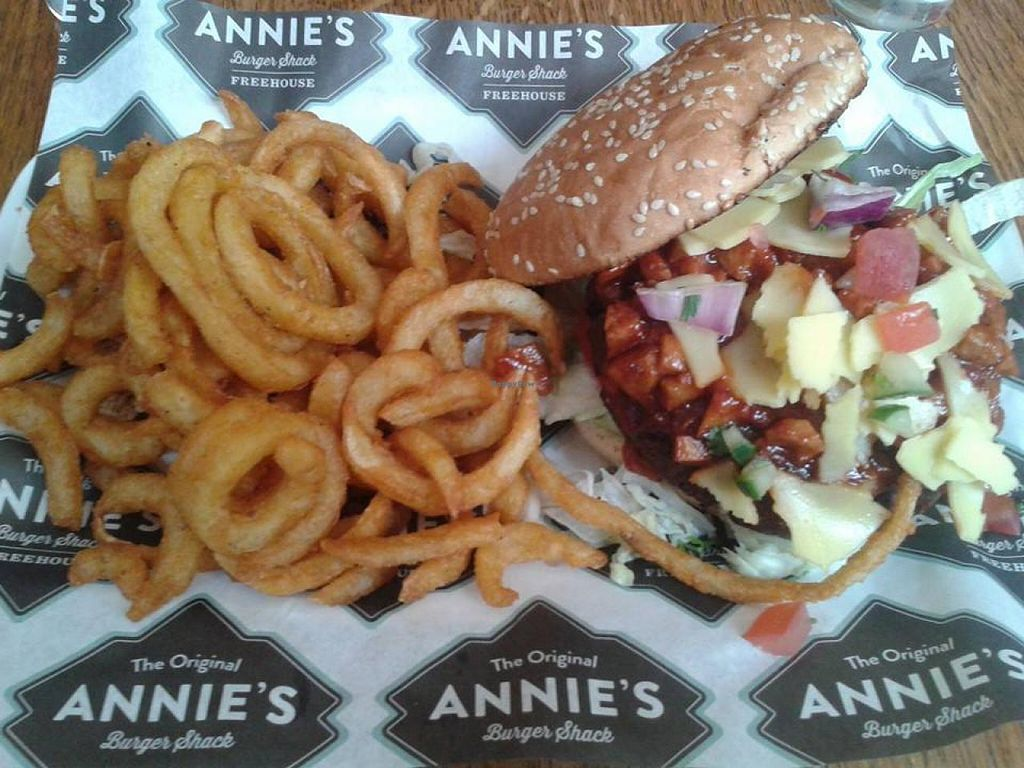 "Photo of Annie's Burger Shack  by <a href=""/members/profile/jennyc32"">jennyc32</a> <br/>'Pulled pork' vegan burger <br/> April 27, 2015  - <a href='/contact/abuse/image/21507/100474'>Report</a>"
