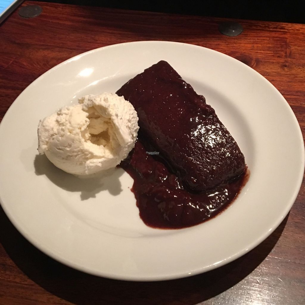 "Photo of GoKula Vegetarian Cafe  by <a href=""/members/profile/BaileyK668"">BaileyK668</a> <br/>vegan orange chocolate cake with vegan ice cream!  <br/> March 14, 2017  - <a href='/contact/abuse/image/21834/236389'>Report</a>"