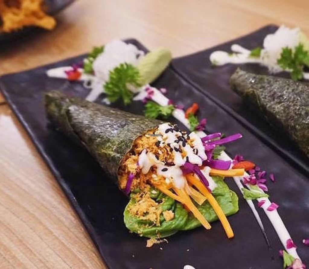 """Photo of Sushi Kitchen - Sungai Ara  by <a href=""""/members/profile/Anerlie"""">Anerlie</a> <br/>Fresh vegetable handroll. Very delicious ! <br/> April 28, 2017  - <a href='/contact/abuse/image/22027/253346'>Report</a>"""