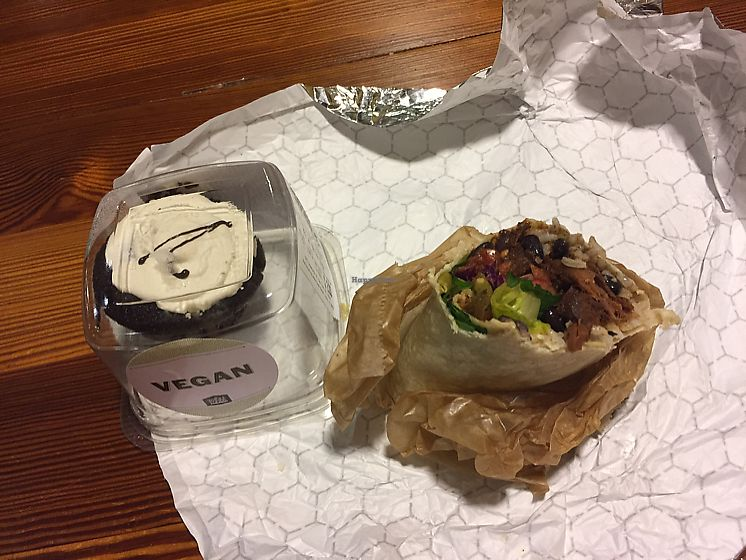 """Photo of Whole Foods Market - Tribeca  by <a href=""""/members/profile/Ashni"""">Ashni</a> <br/>pulled jackfruit burrito and vegan cupcake <br/> November 20, 2017  - <a href='/contact/abuse/image/22133/327403'>Report</a>"""