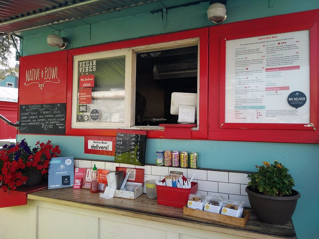 """Photo of Native Bowl - Food Cart  by <a href=""""/members/profile/martinicontomate"""">martinicontomate</a> <br/>part of the food truck <br/> December 9, 2017  - <a href='/contact/abuse/image/22260/334054'>Report</a>"""