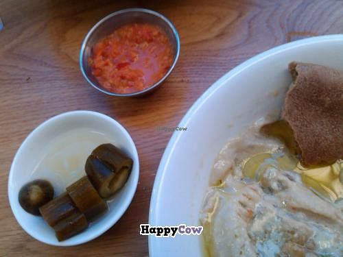 Photo of Ha'Agas 1  by Tal <br/>Ha'Agas hummus <br/> June 29, 2013  - <a href='/contact/abuse/image/22468/50461'>Report</a>